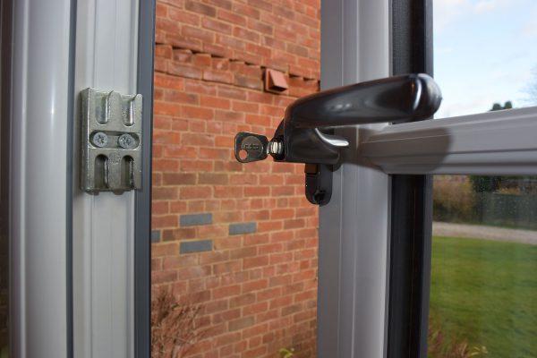 Cranked Suite Locking Handle