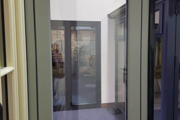 Symmetrical Clean Lined Flush Suite